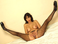 Momsinpantyhose.com pantyhose mature